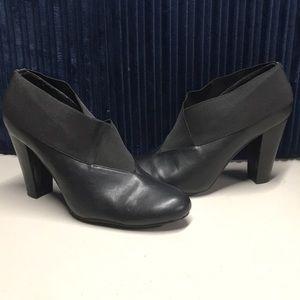 New York transit size 8 heels
